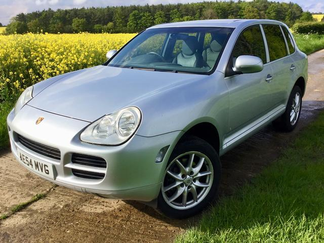 Porsche Cayenne 3.2 V6 auto