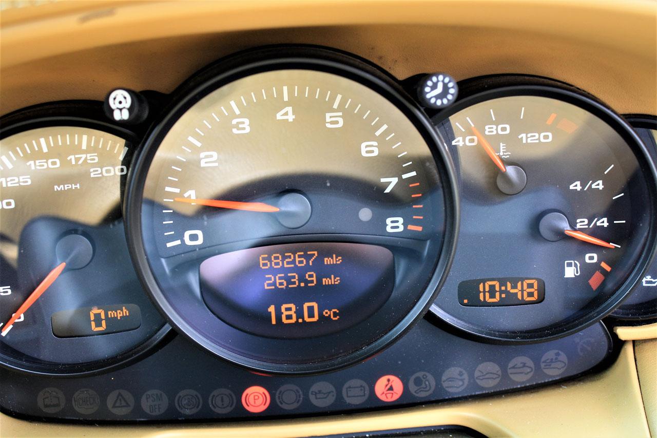 Porsche 996 C2 3.6 Cabriolet Manual