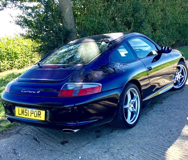 Porsche 996 3.6 Carrera 4 manual Coupe